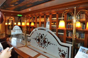 Ruby_Princess_Library_DSC_0067