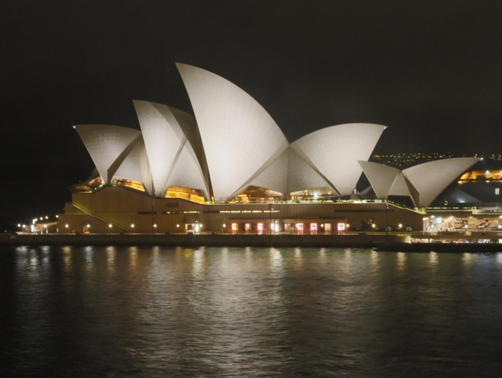 Sydney_Opera_by_Night2